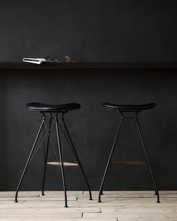 Overgaard_Dyrman_Wire_Bar_Stool_MatBlackSteel_BlackEleganceLeather1